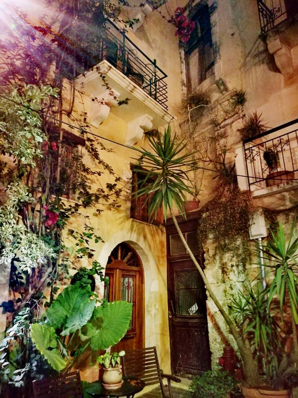 Το πατρικό σπίτι όπου μεγάλωσα, οδός Θεοτοκοπούλου και Α. Γαμπά, παλιά Πόλη, Χανιά